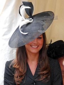 Feather hat kate middleton fashion