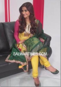 Designer Salwar kameez sonam kapoor-fashion trends-2011