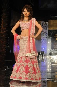 Kangana-jyotna tiwari-Indian bride week-2011-pink designer lehenga.
