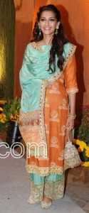 Sonam kapoor latest designer salwar kameez