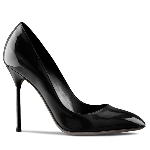 Sexy and bold Black shoes- latest fashion trends 2011-2012