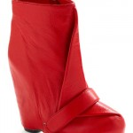BOOTS become the Hottest Trend for Winter 2012