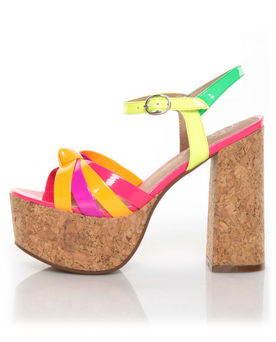 Platform-Pumps-latest-fashion-trends-shoe-styles-2012-sandals