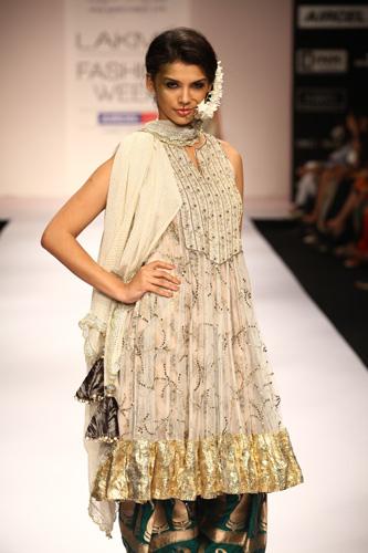 lakme-fashion-week-2012-payal singhal
