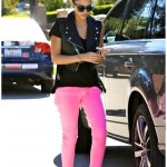 Jessica Alba Trending Neon-Pastel Jeans of all Colours | Colour jeans fashion trends 2012