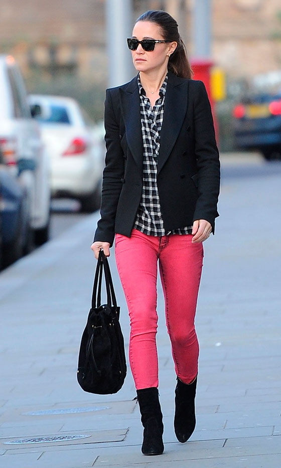PippaMiddleton-Neon-pink-fashion-trend-2012