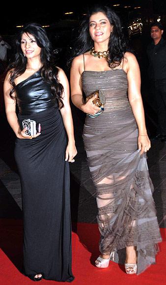 kajol-tanisha-karan-johar-birthday-bas-2012
