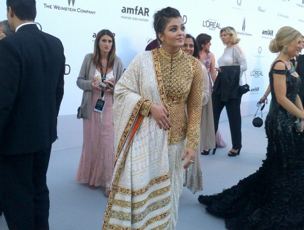aishwarya-rai-bachchan-cannes-film-festival-celebrity-fashion-2012