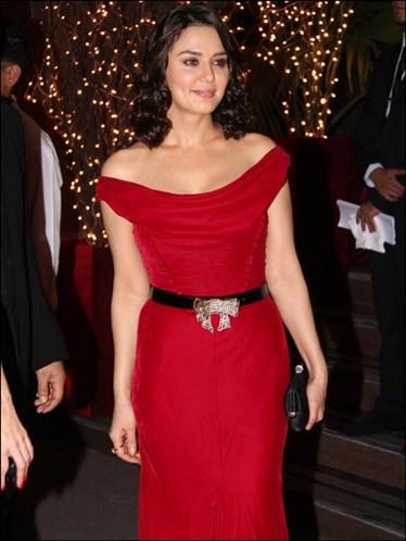 Prieti Zinta Gauri Nainika-Karan-johar-birthday-bash-2012