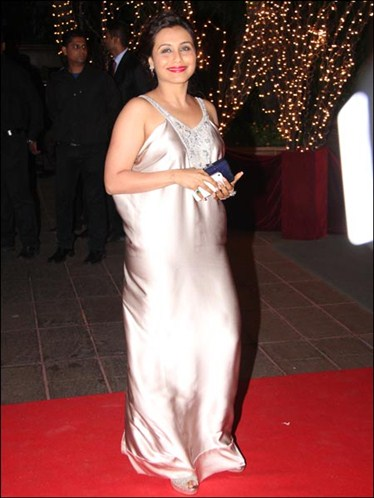 Rani mukherjee- karan-johar-birthday-bash-2012