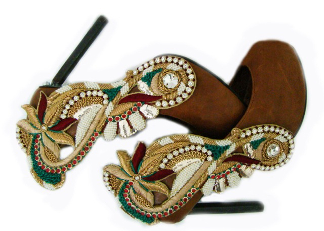 Ethnic shoe by SWATIMODO desginer shoe indian embroderied fashionable heels