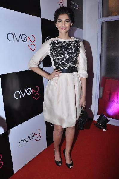 Sonam-Kapoor-in Dior at Ave 29 Gallery Launch