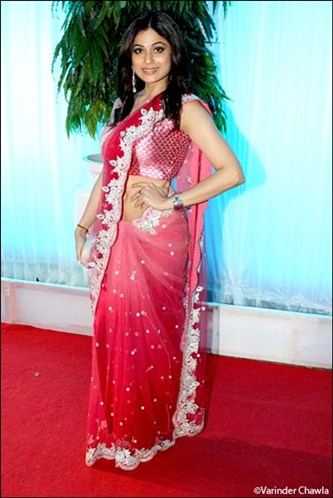Bollywood actress shamita shetty in designer pink saree at Esha Deol Wedding Reception