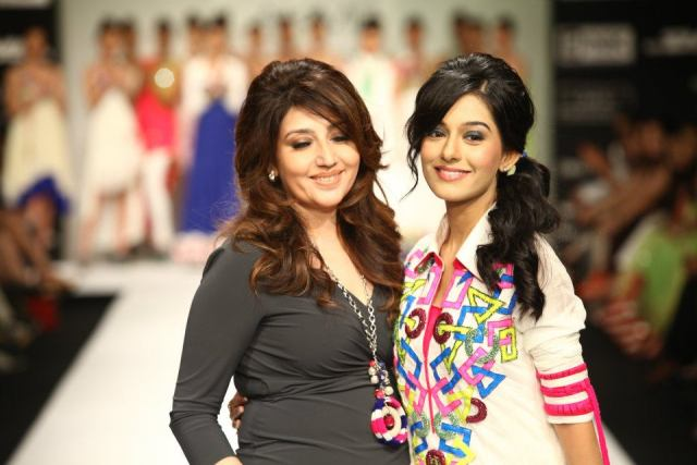 Fashion Designer archana kochhar collection Lakme Fashion Week 2012