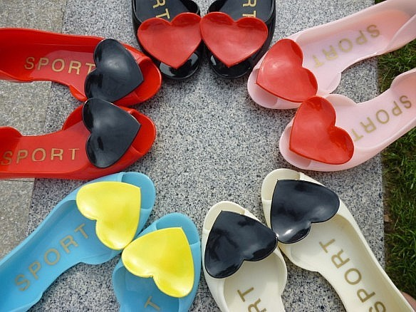 Plastic waterproof rainwear for women shoes with hearts