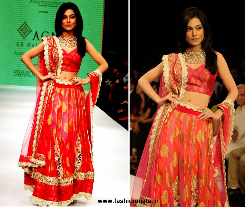 Amrita-Rao-in-jewellery-creations-by-designer-group-Agni-Jewels-IIJW 2012