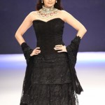 Dia Mirza glittered in diamonds wearing Black at IIJW 2012. Hot or Not??