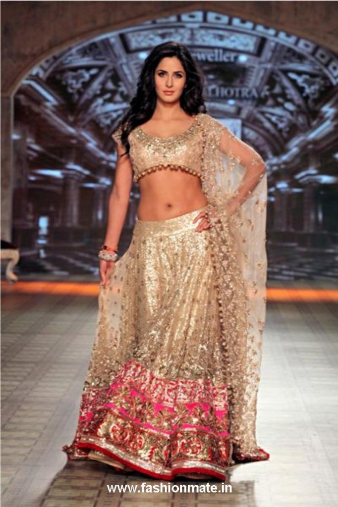 Katrina Kaif for Manish Malhotra at Delhi Couture Week 2012