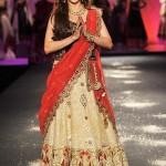 Madhuri Dixit sizzles the ramp at PCJ Delhi Couture Week 2012 for Anju Modi!