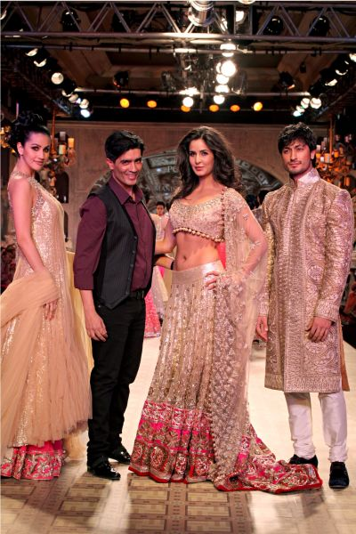 Katrina Kaif at Delhi Couture Week 2012-Manish Malhotra Fashion Show