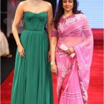 Sonam Kapoor and Hema malini inaugrate IIJW 2012
