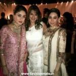 Exclusive Photos: Kareena Kapoor with Karishma and Sara at her Wedding Reception