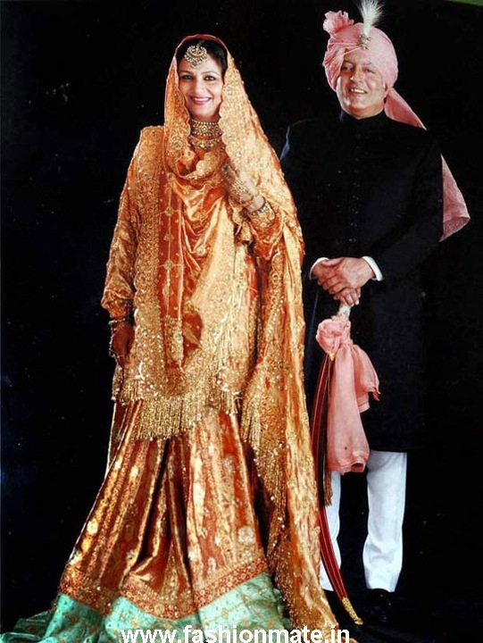 Sharmila Tagore's bridal Sharara worn by Kareena