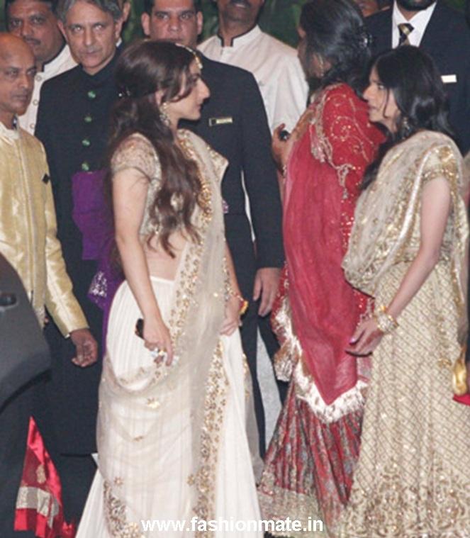 Soha Ali Khan And Sabah At Saif Kareena Wedding Reception