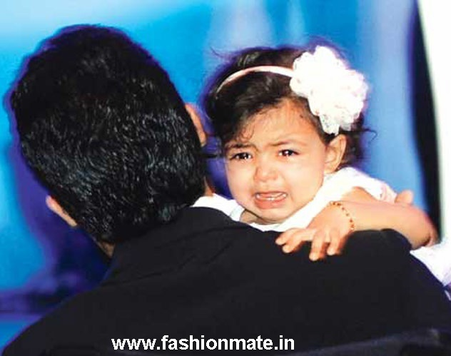 aaradhya bachchan at aishwarya's birthday bash