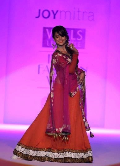 Gauhar Khan at WIFW 2013