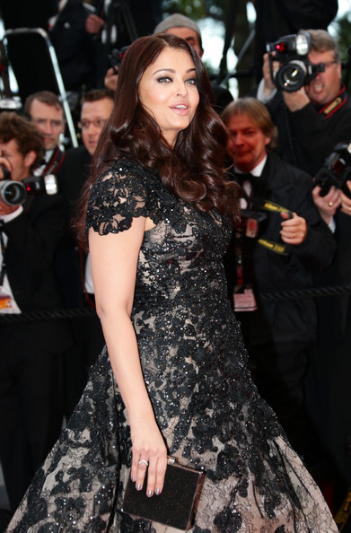Aishwarya makes fashion statement at Cannes 2013