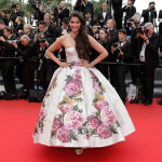 Sonam Kapoor turns Princess at red-carpet for Cannes 2013