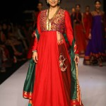 Shruti Sancheti's Pinnacle an Ode to Maharashtrian Culture at Lakme Fashion Week winter festive 2013