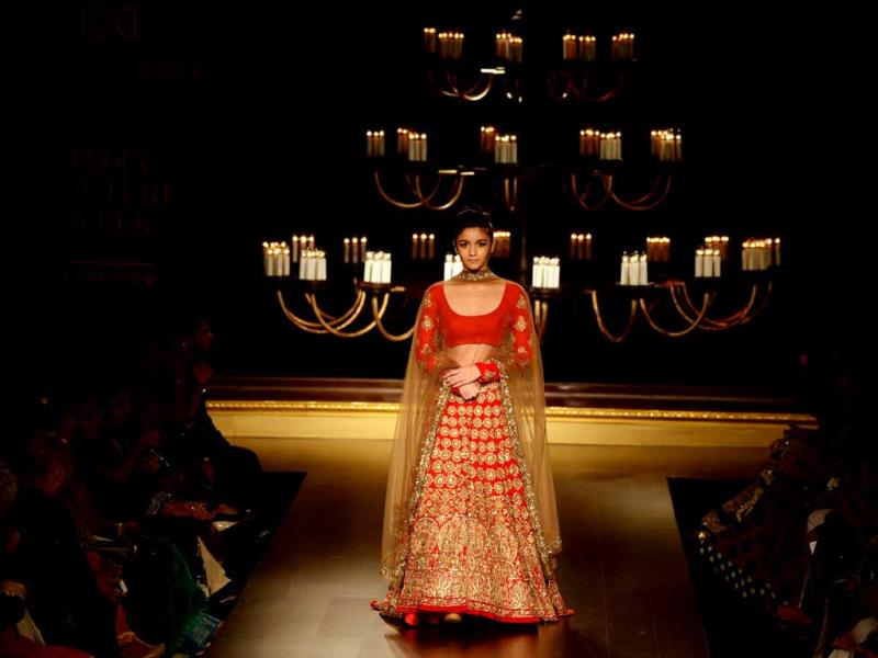 Alia Bhatt in bridal lehenga for Manish Malhotra at India Couture week 2014