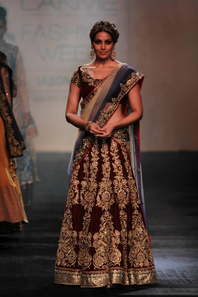 bipasha basu for vikram phadnis at lfw 2014
