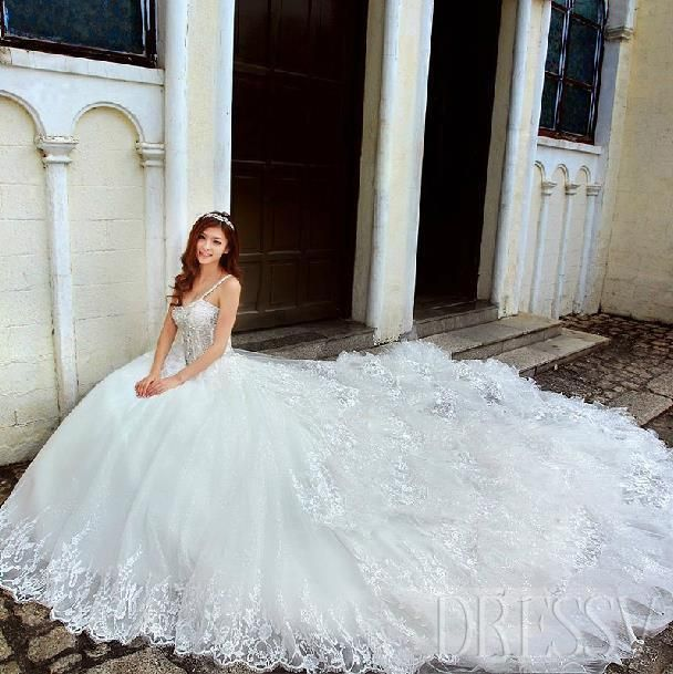 gorgeous ball gown style Wedding dress in cheap
