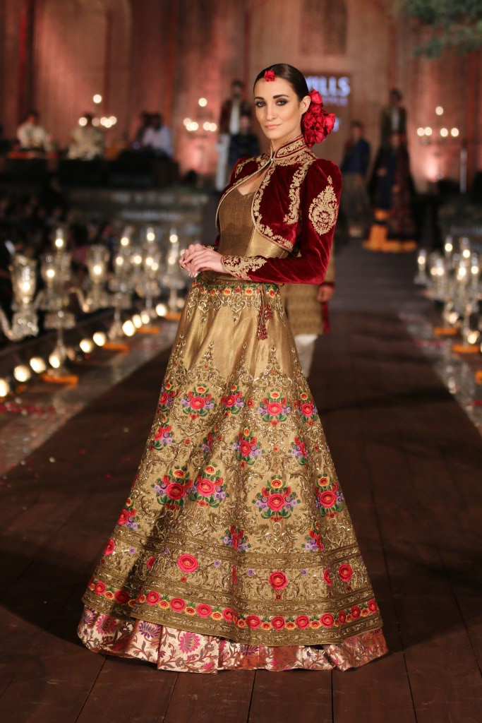 Model wearing fashion designer Rohit Bal's wifw collection 2015