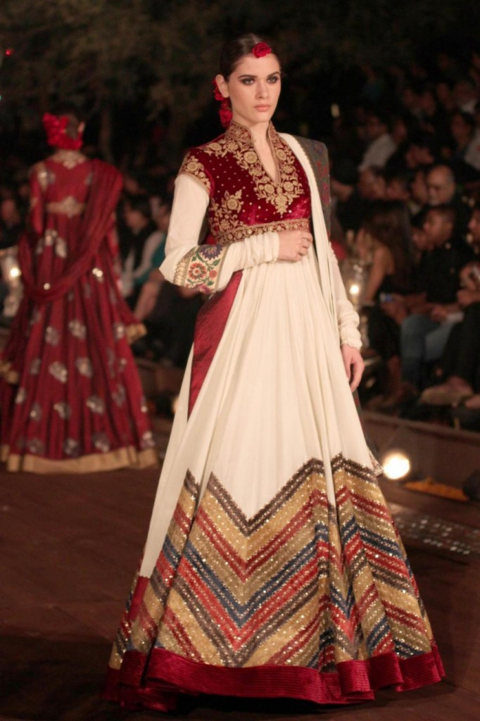 Wills lifestyle india fashion week summer 2015- Rohit Bal collection