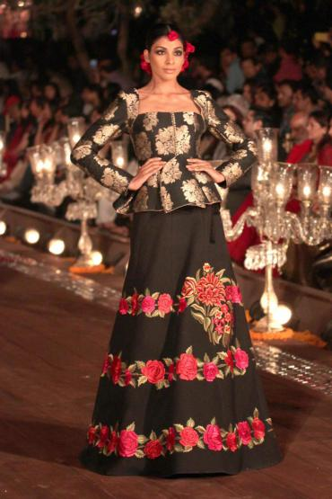 Rohit bal creation at wills lifestyle india fashion week 2015