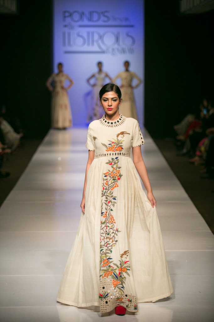 Runway Fashion Report- Purvi Doshi Collection in Bangladesh