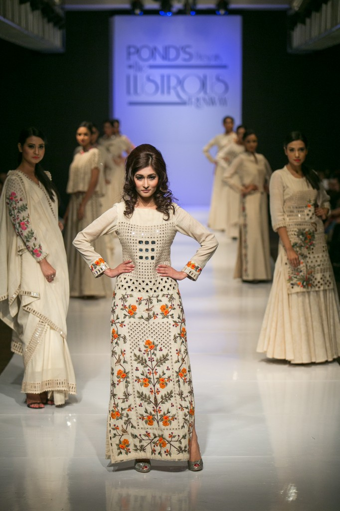 Fashion Designer Purvi Doshi Collection - Indian Runway Report