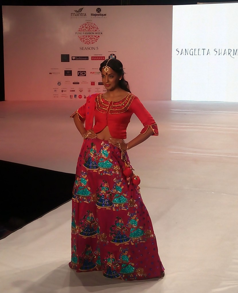 Mughda Godse for Sangeeta Sharma at Pune Fashion Week 2014