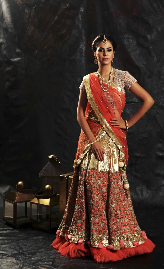 Lisa Ray rocks the ramp for Ulka bafna at Pune Fashion Week 2014