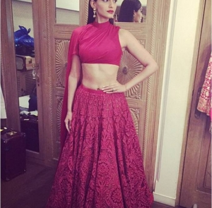 "Hot or Not- Sonam Kapoor in Shantanu & Nikhil for ""Dolly Ki Doli"" Trailer launch"