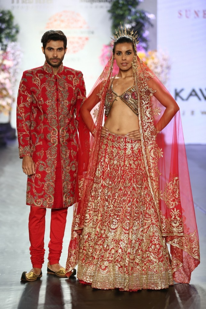 Designer Suneet Varma's collection on final day of Pune Fashion Week 2014