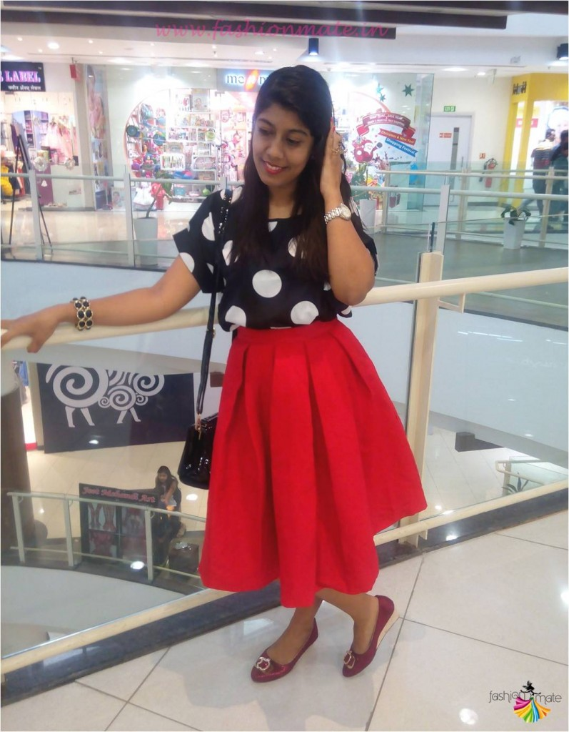 OOTD Red Vintage box pleat skirt & polka dot crop top