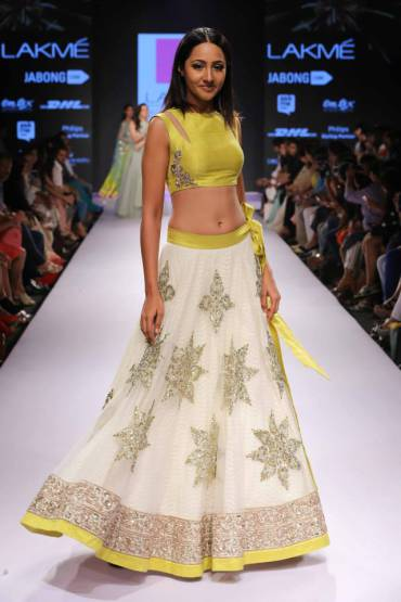 anushreereddy_lakmefashionweek_2015_11