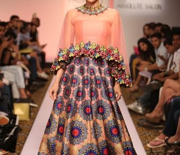 Karishma Kapoor in Neha Agarwal at Lakme Fashion Week 2015