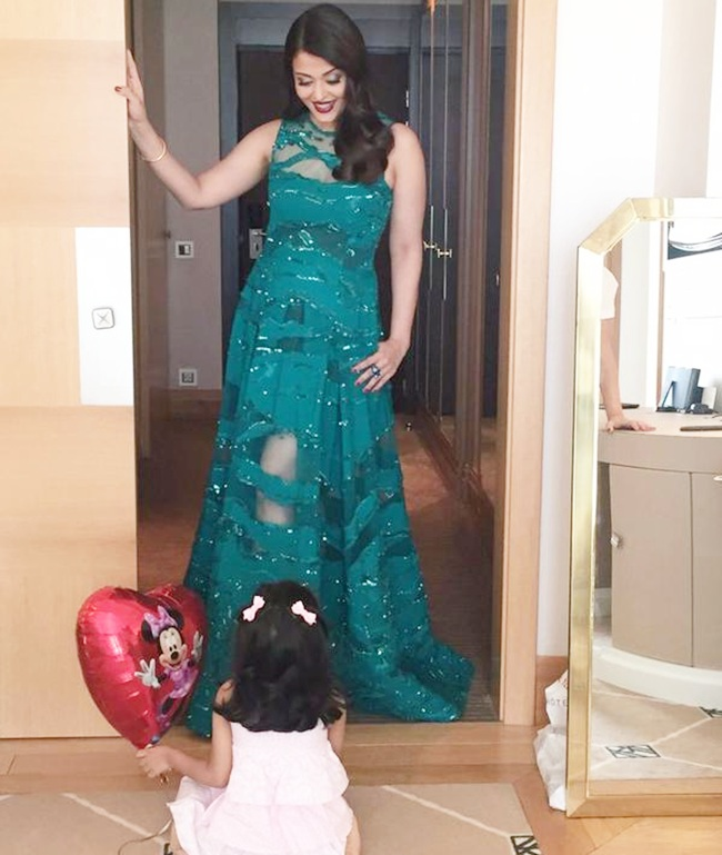 Aishwarya rai at cannes 2015 with daughter aradhya bachchan