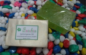Beauty Reviews- Fuchsia tea rose & Lemongrass Oil Soap Review